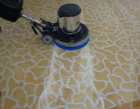 地毯污渍清洗保养的几种常见方式