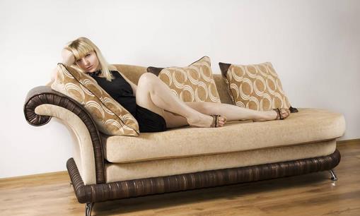 沙发清洗小技巧:不同的沙发清洁方法