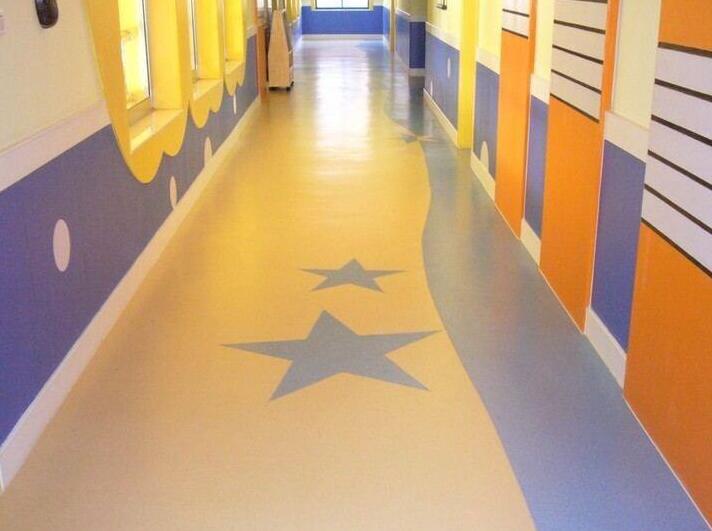 PVC地胶地板打蜡
